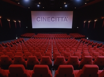 29200_CINECITTA劇場内[1].jpg